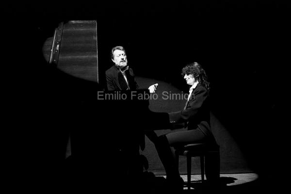 Arrigo Lora Totino e Valeria Magli - Futura Poesia Sonora - Teatro Gerolamo, Milano 1982