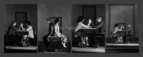 Concerto Zaj. 6 minuti per 2 interpreti e 3 posizioni con contatto corporale. Rumore di fondo. Università di Pavia, 1978