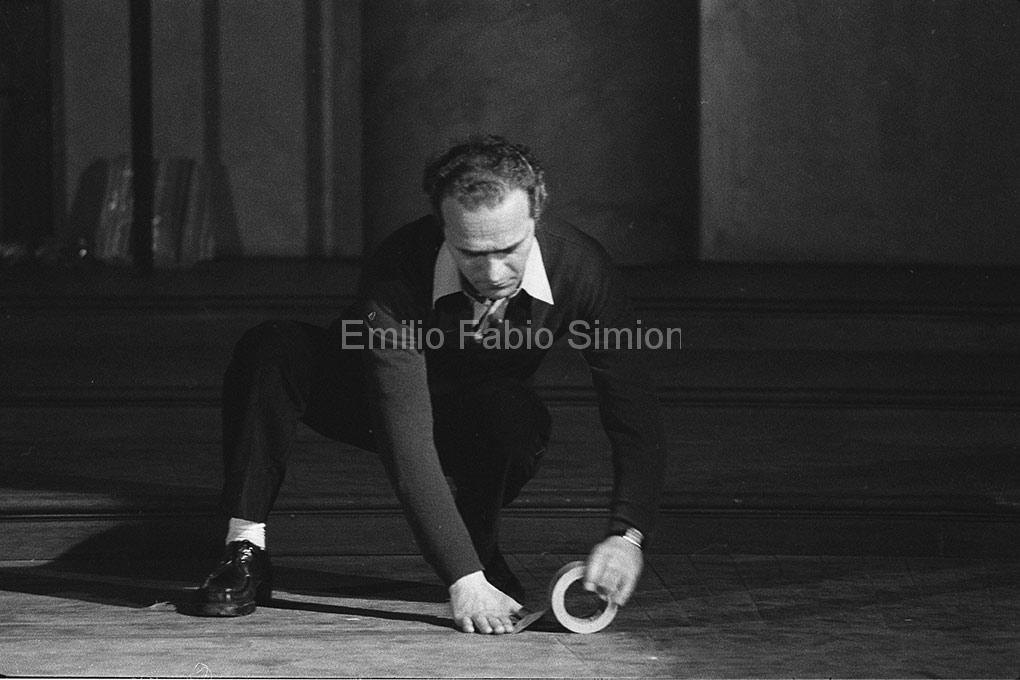 """Concerto Zaj - 40°parallelo. """"Rumore di fondo"""". Aula Magna dell'Università di Pavia, 1978"""