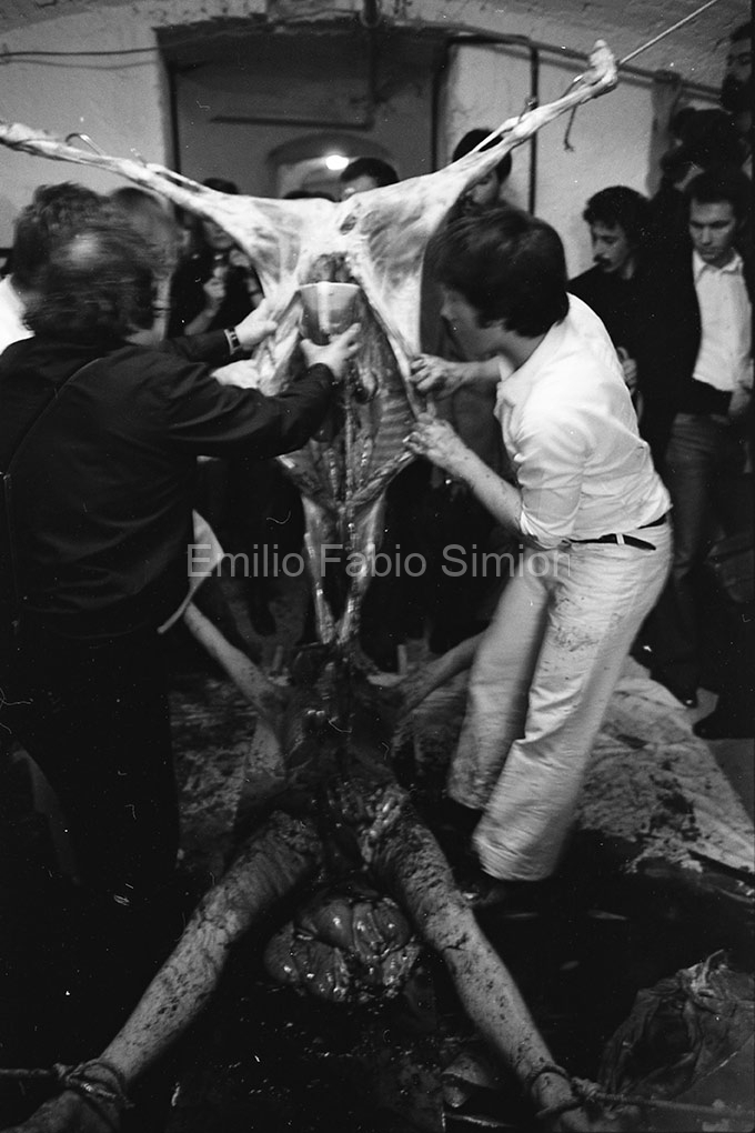 "Hermann Nitsch. ""Orgien Mysterien Theater"", Azione n53. Teatro Out Off, Milano 1976"