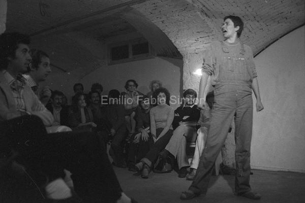 Otto Mühl. Quadri disegni sui concetti della parabola: sessualità libera. Teatro Out Off. Milano 1977