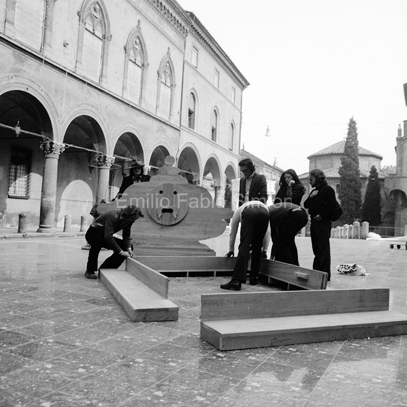 Pollution. Piazza Santo Stefano. Bologna, 1972
