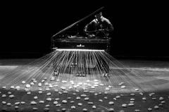 Walter Marchetti. J'aimerai Jouer Avec Un Piano Qui Aurait Un Grosse Queue.  L'orecchio nell'occhio. Teatro di Porta Romana. Milano, 1981